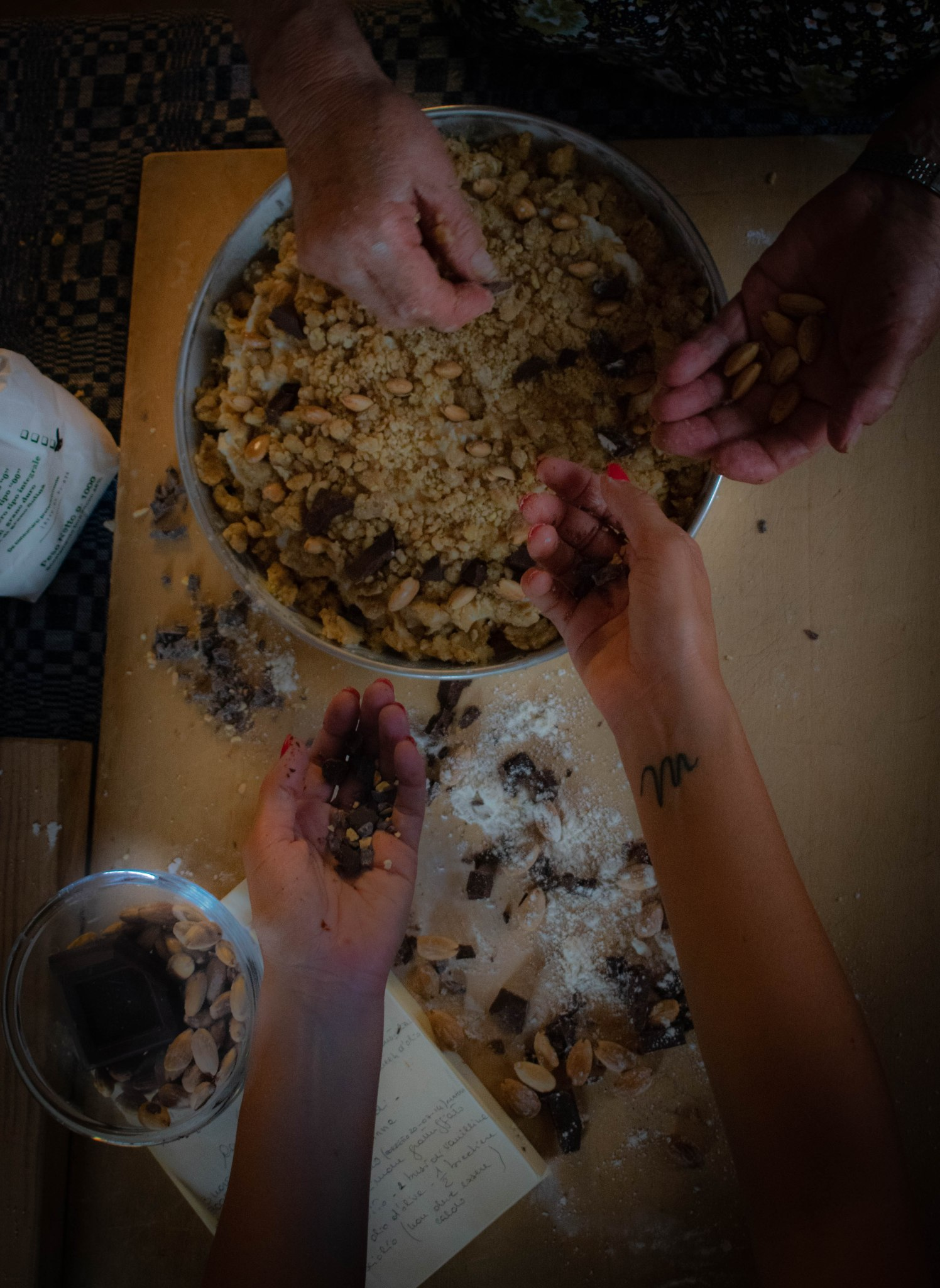 crumbled chocolate preparation
